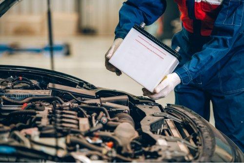 Come tenere in forma la batteria dell'auto